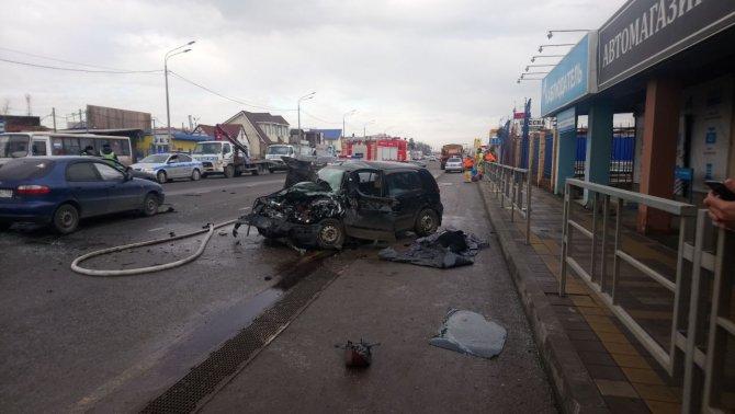 Женщина погибла в ДТП в Краснодаре (3)