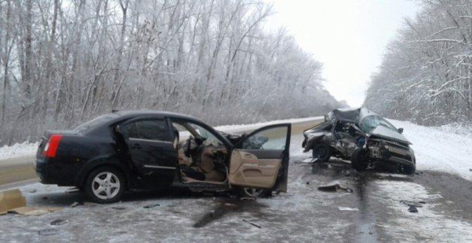 Водитель «Лады» погиб в ДТП в Острогожском районе (2)