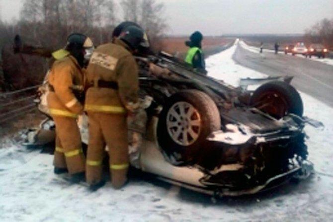 Четыре молодых человека погибли в ДТП с автобусом в Алтайском крае (2)