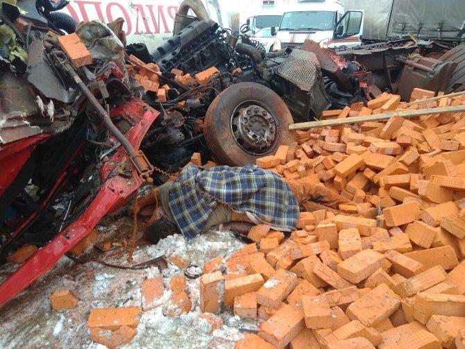 Оба водителя погибли в ДТП на трассе М-7 в Пестречинском районе (6)