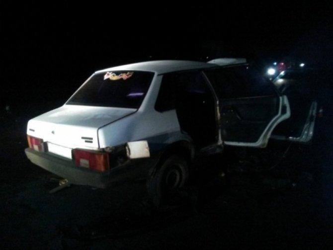 Два человека погибли при столкновении двух ВАЗов под Оренбургом (3)