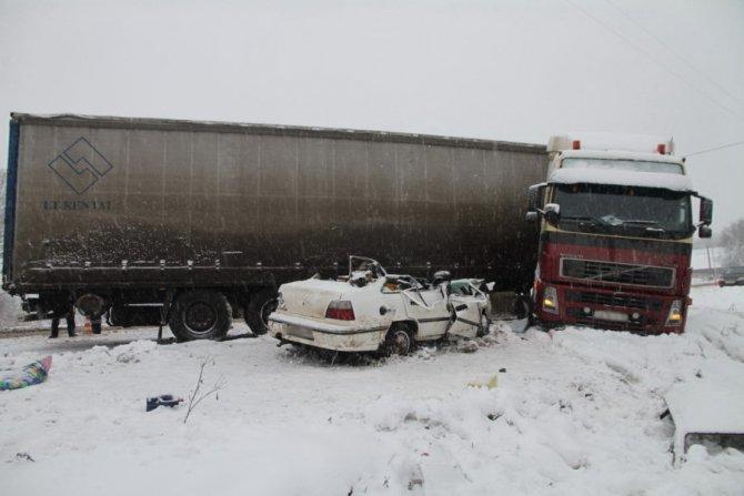 8-летняя девочка погибла в ДТП с фурой в Костроме (2)