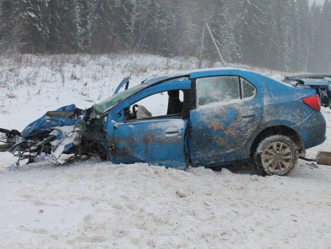 Женщина-водитель иномарки погибла в ДТП в Верховажском районе (1)