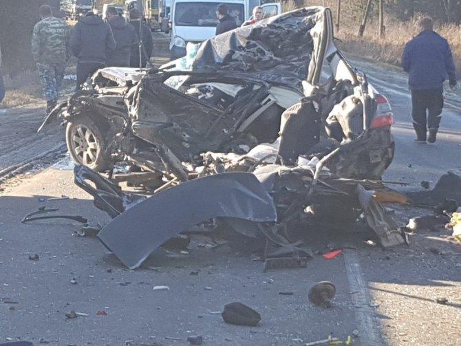 Под Владимиром столкнулись фура и Mercedes – погиб водитель легковушки (4)