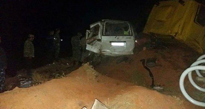 Десять человек, включая младенца, погибли в ДТП на юге Киргизии (1)