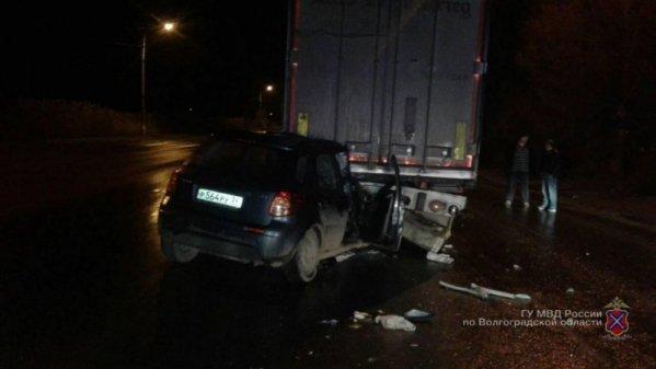 Три человека погибли в ДТП с тягачом в Кировском районе Волгограда (3)
