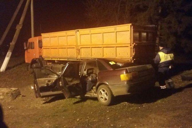 Четыре молодых человека погибли в ДТП с грузовиком на Кубани (2)