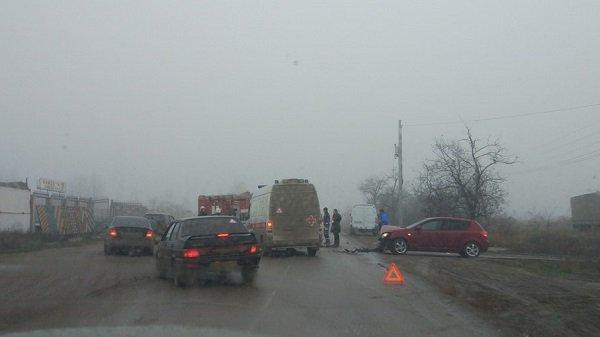 Двое взрослых и ребенок пострадали в ДТП в Волгограде (2)