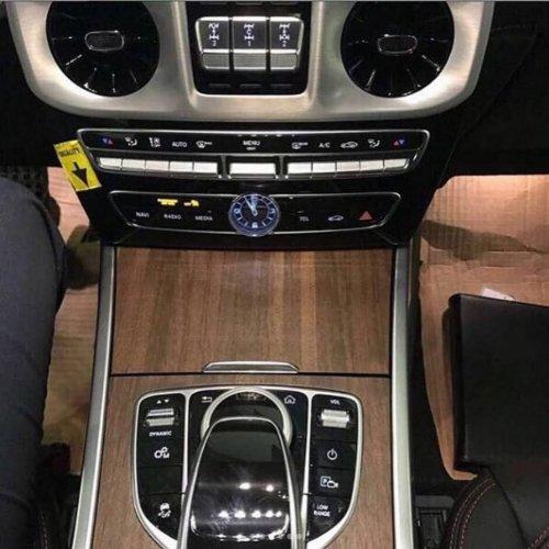 В Сети появились фото салона нового Mercedes-Benz G-Class Gelandewagen (2)