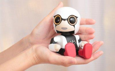 Toyota выпустили миниатюрного робота Kirobo, который умеет общаться и с автомобилем, и с хозяином
