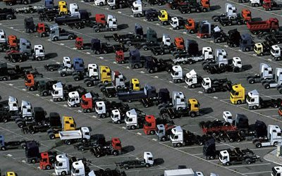 Рынок новых грузовиков в России тянут вверх