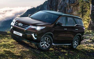 В России стартовали продажи нового Toyota Fortuner