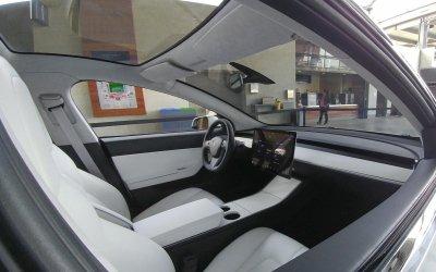 Tesla Model 3 будет продаваться в России