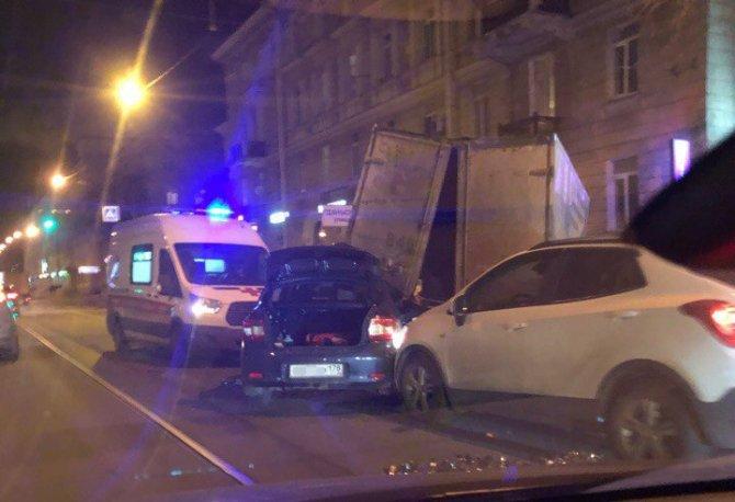 В Петербурге в ДТП на Энгельса погиб человек (3)