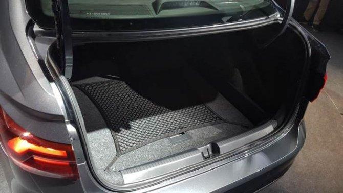 Седан Volkswagen Polo 2018, багажник