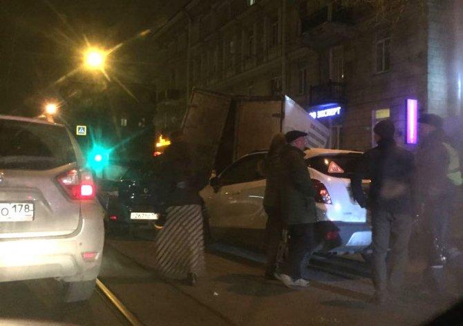 В Петербурге в ДТП на Энгельса погиб человек (4)