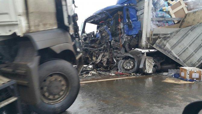В ДТП с грузовиками на трассе «Кола» погиб человек 3