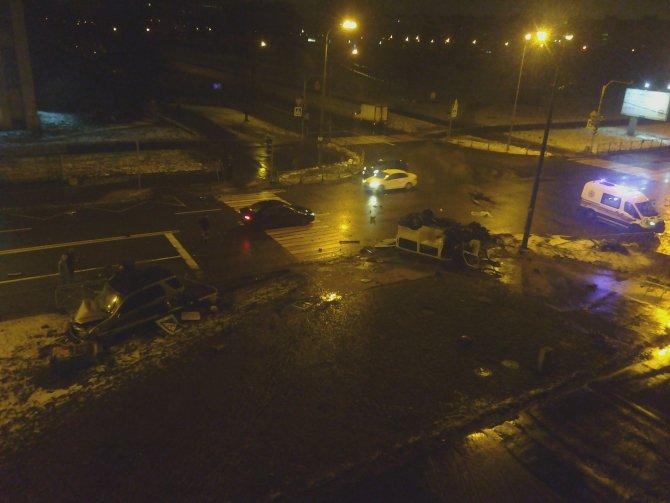 Четыре человека погибли в ДТП в Петербурге (5)