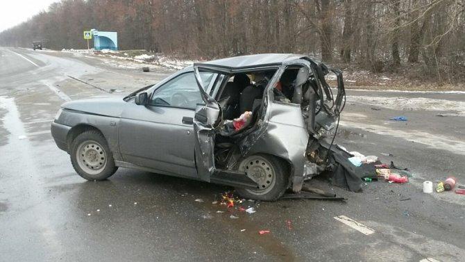 Три человека, включая ребенка, пострадали в ДТП на трассе Липецк-Усмань в Грязинском районе (4)