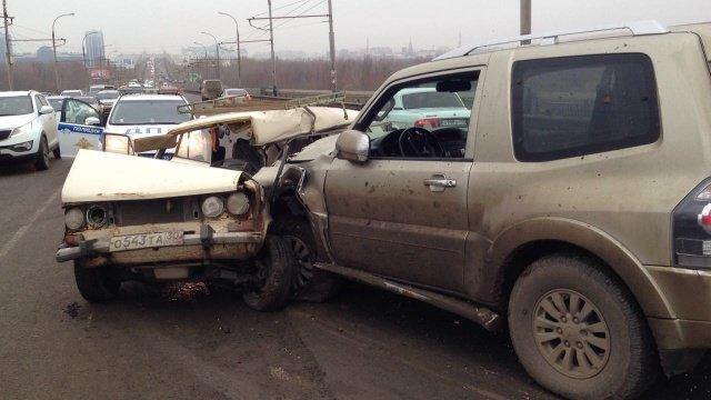 В Астрахани на Новом мосту в ДТП погиб человек