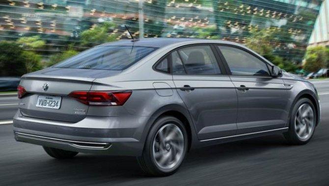 Седан Volkswagen Polo 2018 сзади