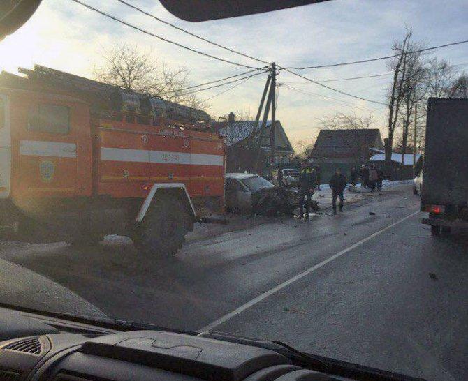 Автобус попал в ДТП на Дороге Жизни в Ленобласти есть пострадавшие (4)