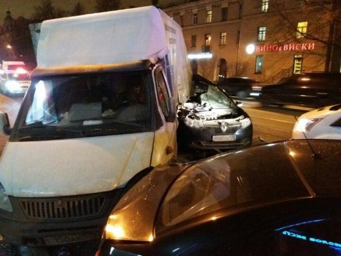 В Петербурге в ДТП на Энгельса погиб человек (1)