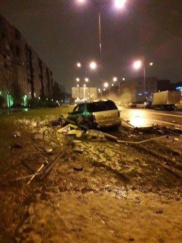Четыре человека погибли в ДТП в Петербурге (3)