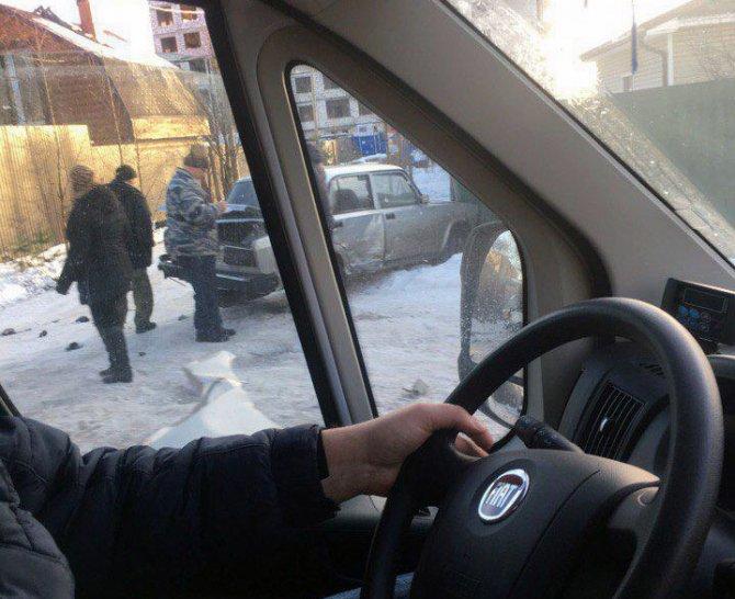 Автобус попал в ДТП на Дороге Жизни в Ленобласти есть пострадавшие (5)