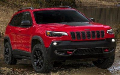 В Сети появились первые фото новой версии Jeep Cherokee