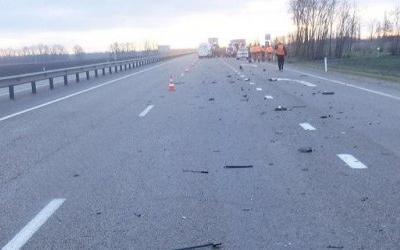 Два человека из иномарки погибли в ДТП с грузовиком в Гулькевичском районе