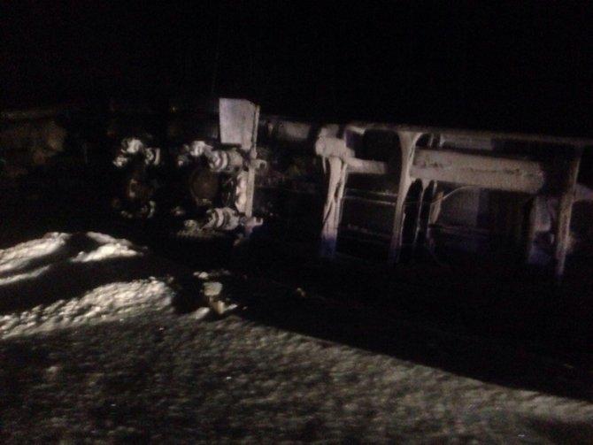 Водитель легковушки погиб в ДТП с грузовиком на трассе Тюмень – Ханты-Мансийск (1)