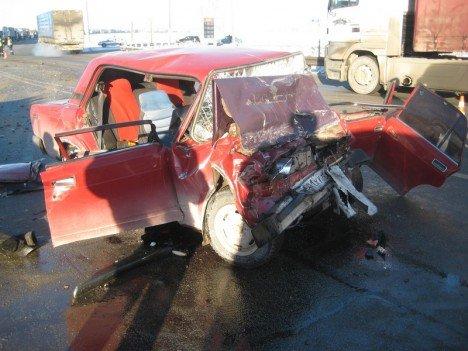 Женщина погибла в ДТП с грузовиком на Тюменском тракте (2)