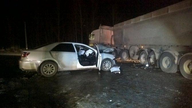 Пассажирка иномарки погибла в ДТП с фурой на автодороге Екатеринбург – Тюмень (4)