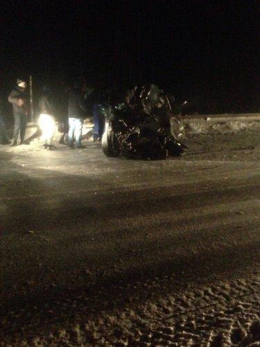 Водитель легковушки погиб в ДТП с грузовиком на трассе Тюмень – Ханты-Мансийск (2)