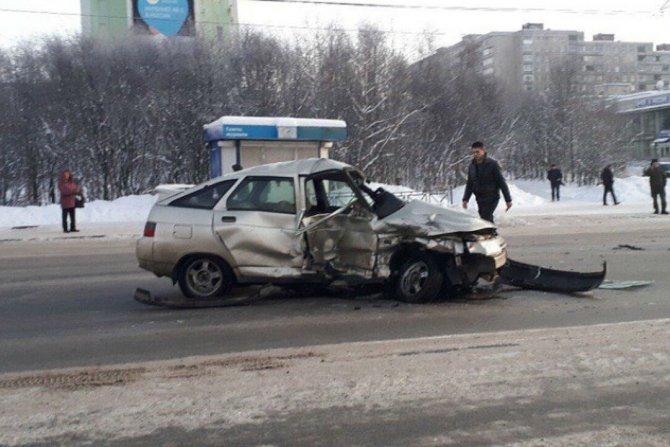 3-летняя девочка пострадала в ДТП в Мурманске (2)