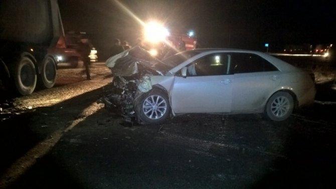 Пассажирка иномарки погибла в ДТП с фурой на автодороге Екатеринбург – Тюмень (5)