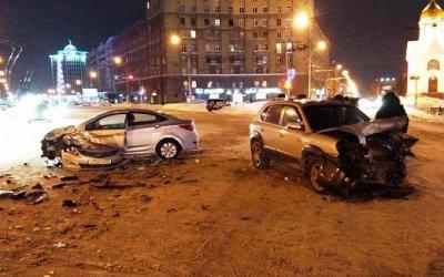 В Новосибирске в ДТП с двумя Hyundai пострадал водитель