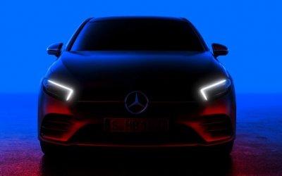 Mercedes показал тизер  5-дверного хэтчбека A-Class нового поколения