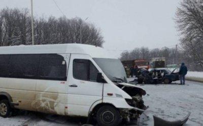 В ДТП под Воронежем один погиб, семеро пострадали