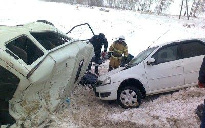 Два человека погибли в ДТП с полицейской машиной в Орловской области