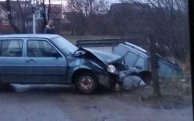 В Калининграде после ДТП машина вылетела в канаву