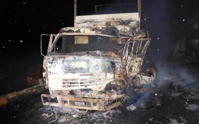 Четыре человека пострадали в ДТП со сгоревшими грузовиками в Калмыкии