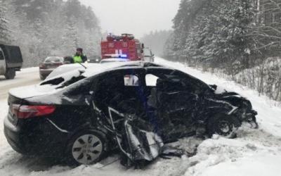 ДТП на трассе Екатеринбург-Тюмень: трое погибших, четверо пострадавших, в том числе двое детей