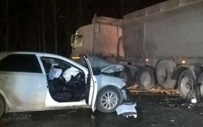 Пассажирка иномарки погибла в ДТП с фурой на автодороге Екатеринбург – Тюмень