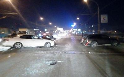 Девушка пострадала в ДТП на Октябрьском мосту в Новосибирске
