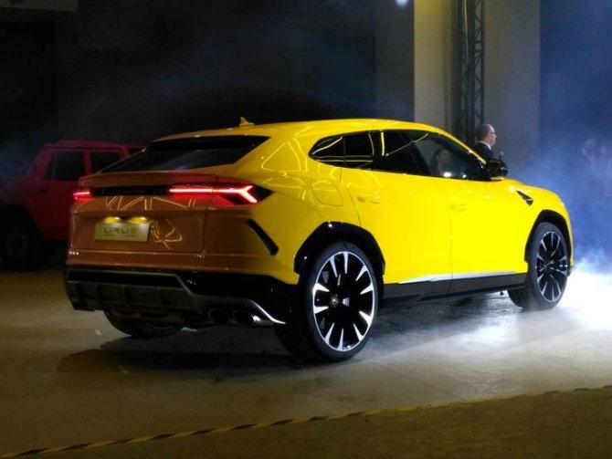 В Москве состоялась официальная презентация Lamborghini Urus 1