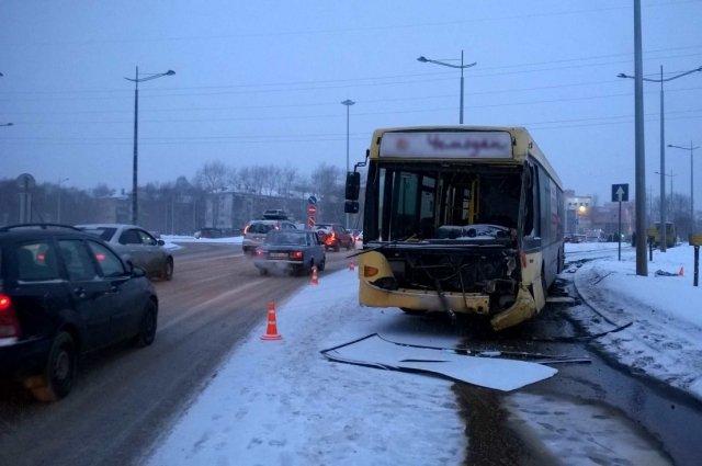 В Перми в ДТП с двумя автобусами погиб ребенок