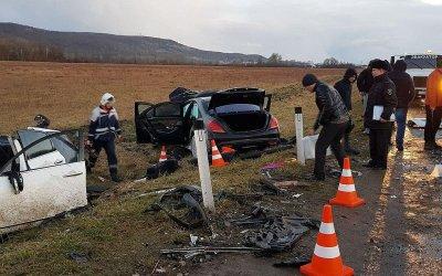 В Апшеронском районе в ДТП погибли женщина и ребенок