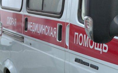 В Пензенской области Lexus врезался в столб – пострадали двое